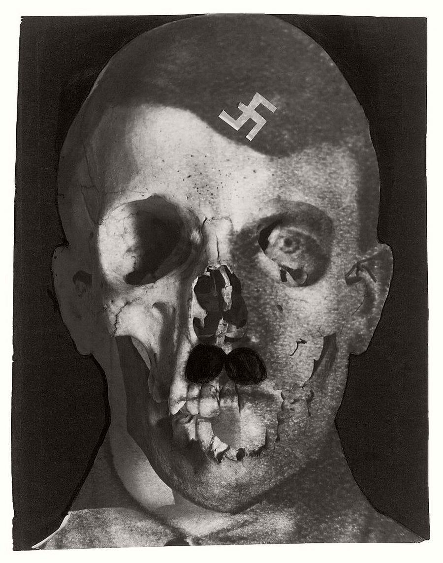 Erwin Blumenfeld Grauenfresse / Hitler, Holland, 1933 1933