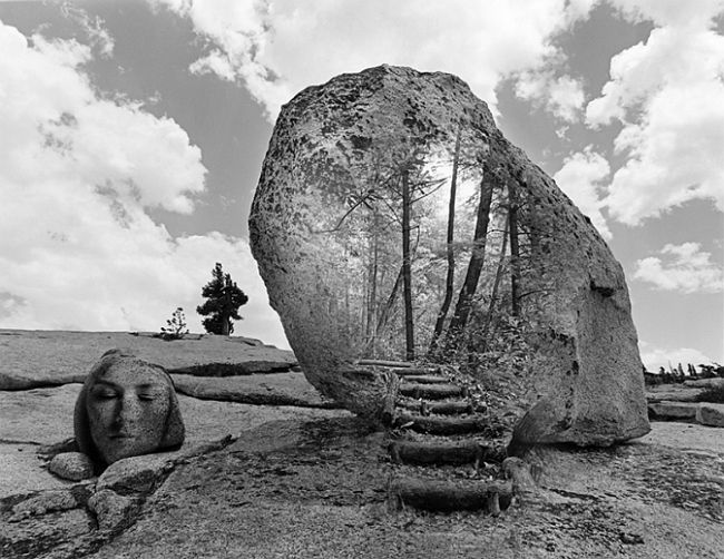 jerry uelsmann Jerry uelsmann facts: a pioneer in the art of multilayered imagery, photographer jerry uelsmann (born 1934) is best known for his seamlessly grafted composite images in black and white.
