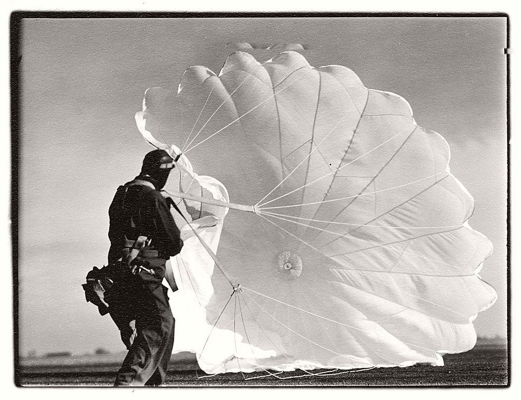 Margaret Bourke-White  Untitled #47 (Twenty Parachutes), 1937