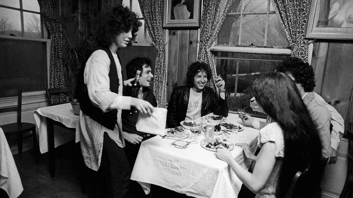 The day after playing the Springfield Civic Center, Bob Dylan and the Rolling Thunder gang visited Mama Frasca's Dream Away Lodge in Becket, Massachusetts.