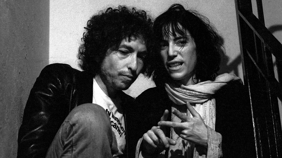 Shortly before launching the Rolling Thunder Revue, Bob Dylan began hanging out in Greenwich Village clubs. He met Patti Smith and they formed a tight bond that lasted for decades.