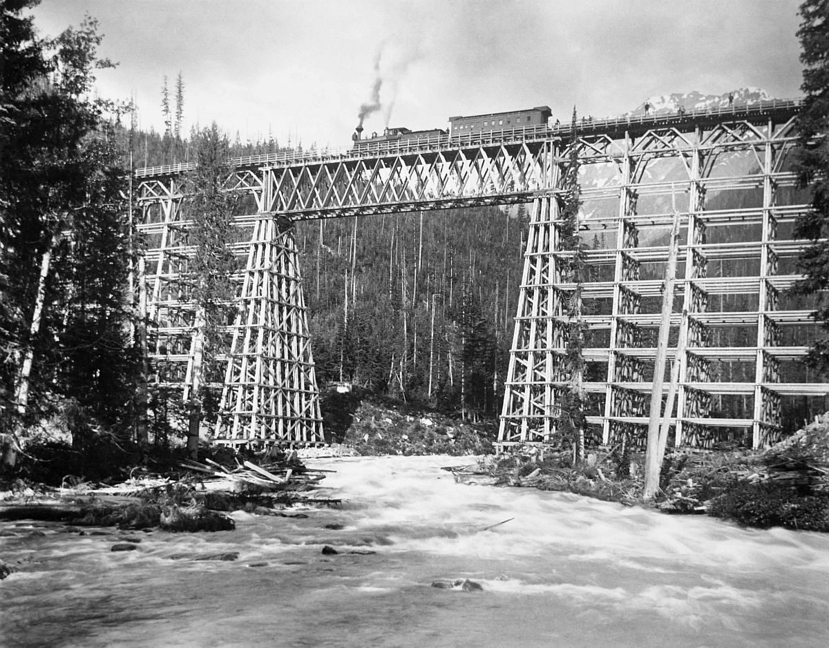 Canadian Pacific Railway Engine 154 on Mountain Creek bridge, Beaver Valley, Selkirks, British Columbia. Date: [ca. 1884-1886]