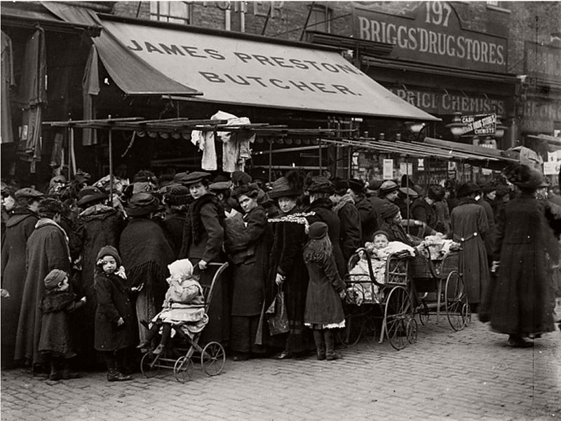 Hoxton Street market, Shoreditch, 1910