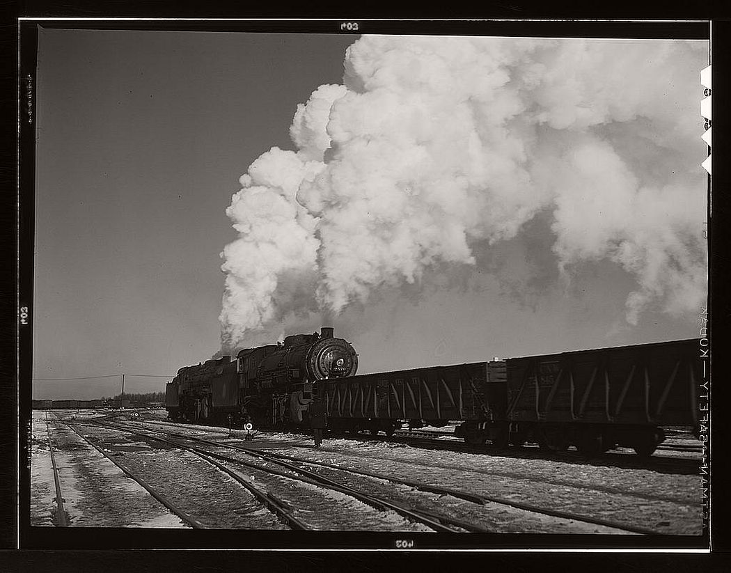 Railway in Chicago (1940s). Photo: The Library of Congress
