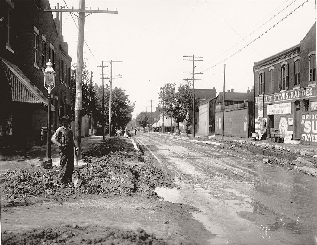 Nineteenth Street looking north from Dodier Street, 1900
