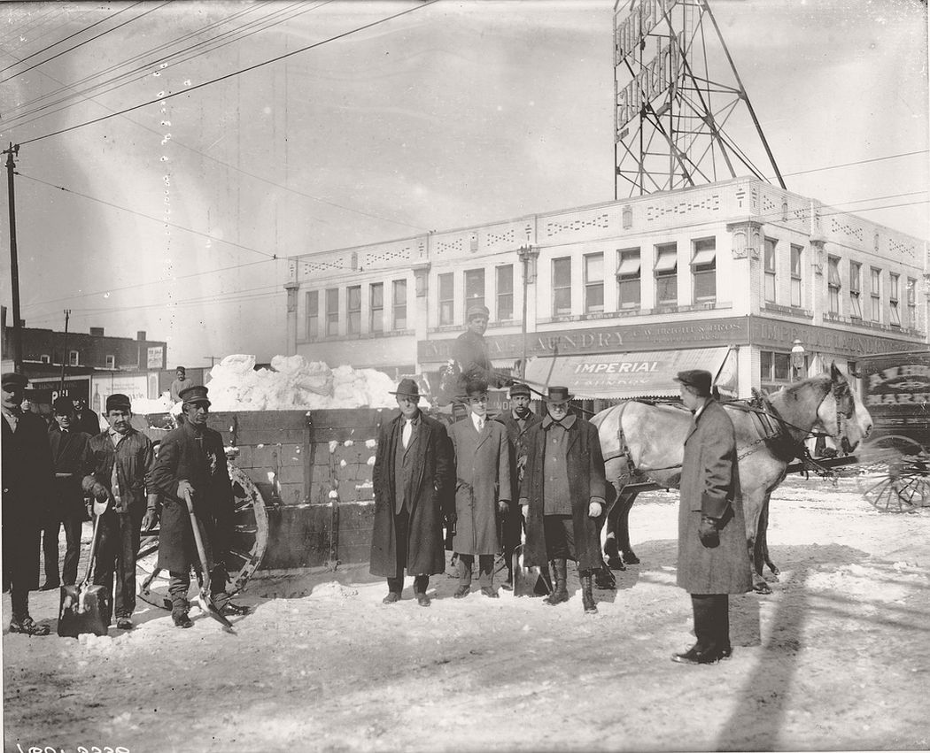 Snow Truck and Cleaning crew on the 2800 block of Chouteau Avenue, 1909