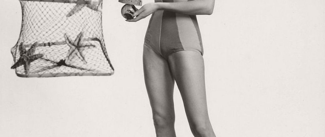 Vintage: Women in One Piece Swimsuits in the 1950s