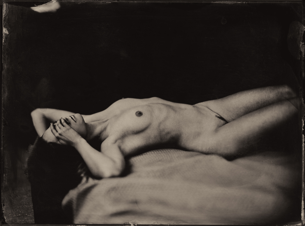 Nudes 3RD PLACE WINNER (amateur) 3RD PLACE WINNER Monika Cichoszewska, Hiding Desire