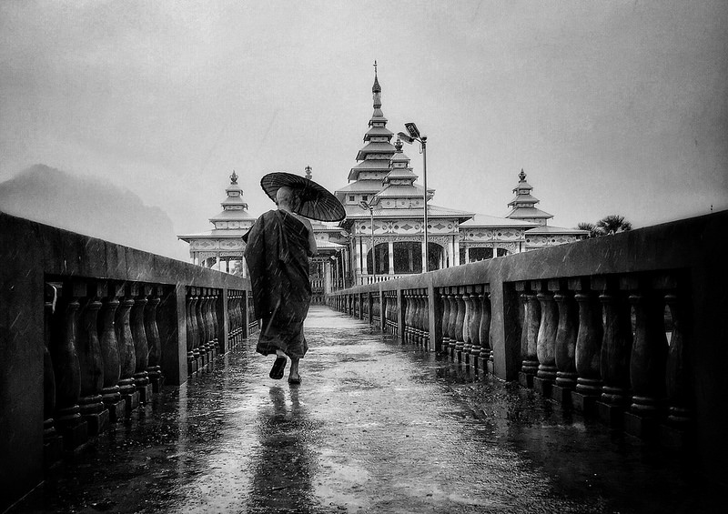 Travel 2ND PLACE WINNER (amateur) 2ND PLACE WINNER Pier Luigi Dodi Dodi, Under the monsoon rain