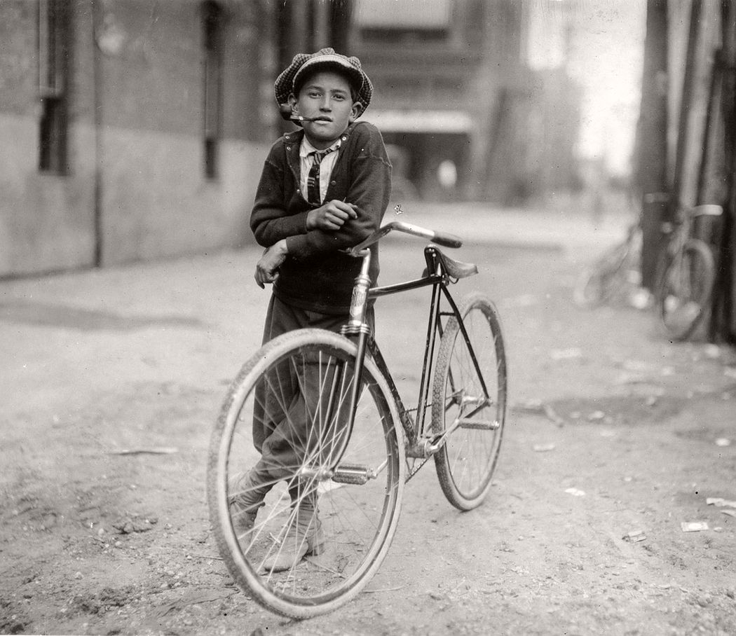 15-year-old messenger boy working for Mackay Telegraph Company, Waco, Texas, 1913