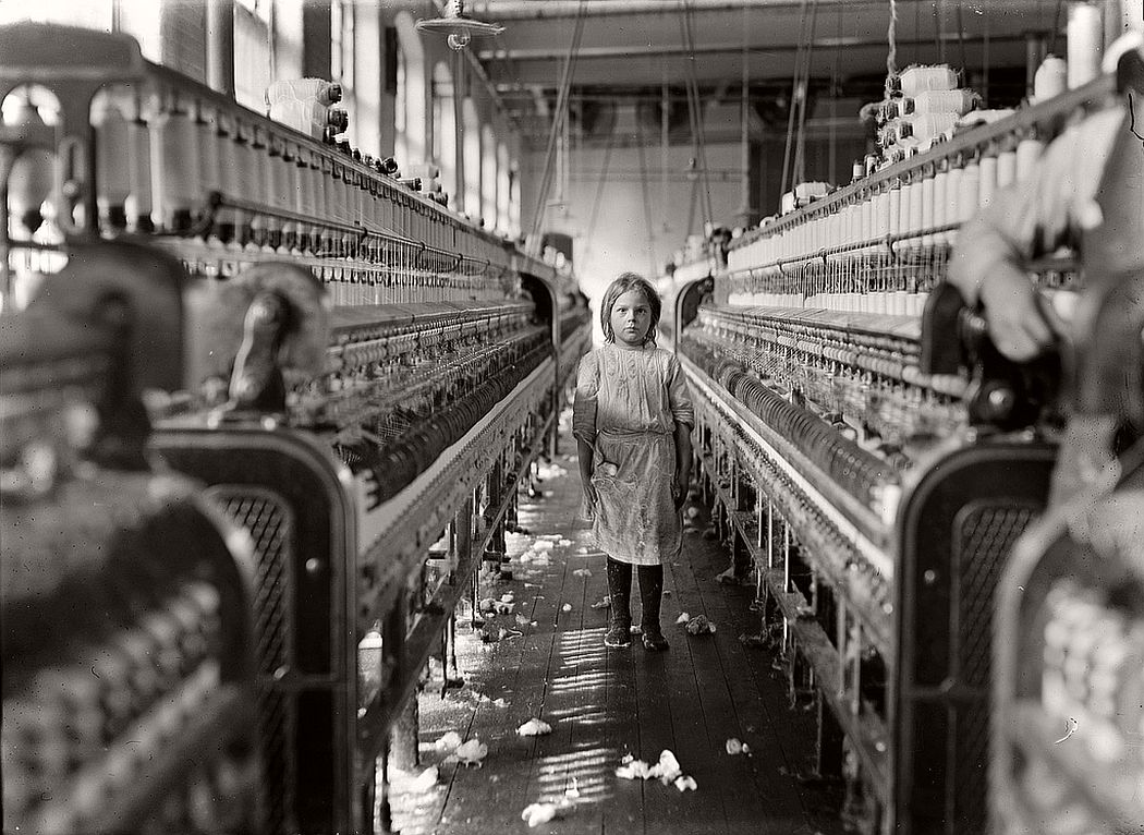 A little spinner in the Mollohan Mills, Newberry, South Carolina, December 3, 1908