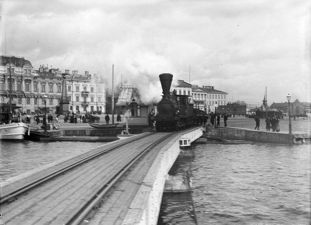 Locomotive on the Market Square, Helsinki