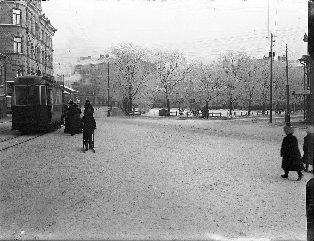 On the corner of Lapinlahdenkatu and Albertinkatu, Helsinki