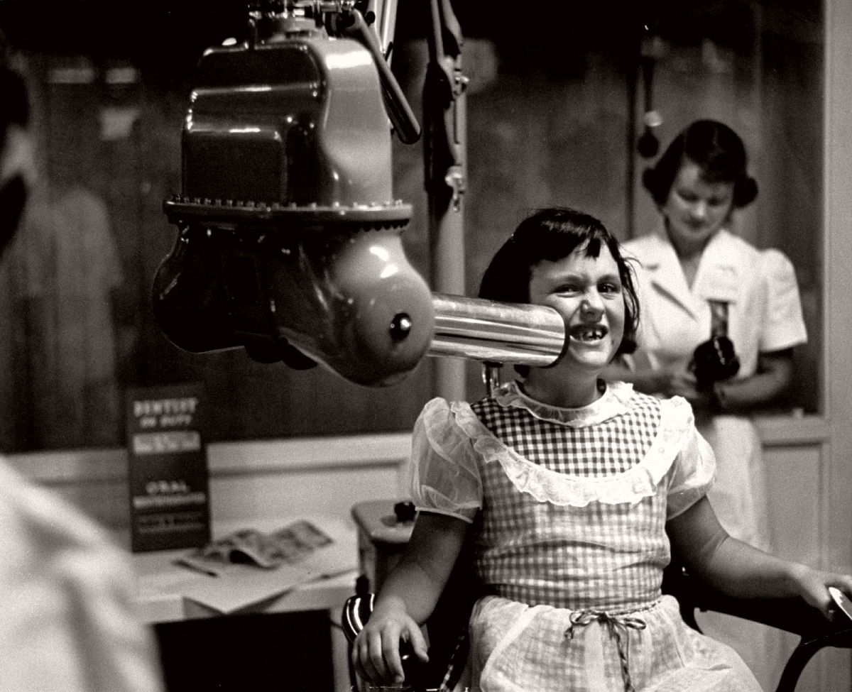 X-ray machine, at the California dental association exhibit, California state fair, 1953. (Jon Brenneis—The LIFE Images Collection/Getty Images)