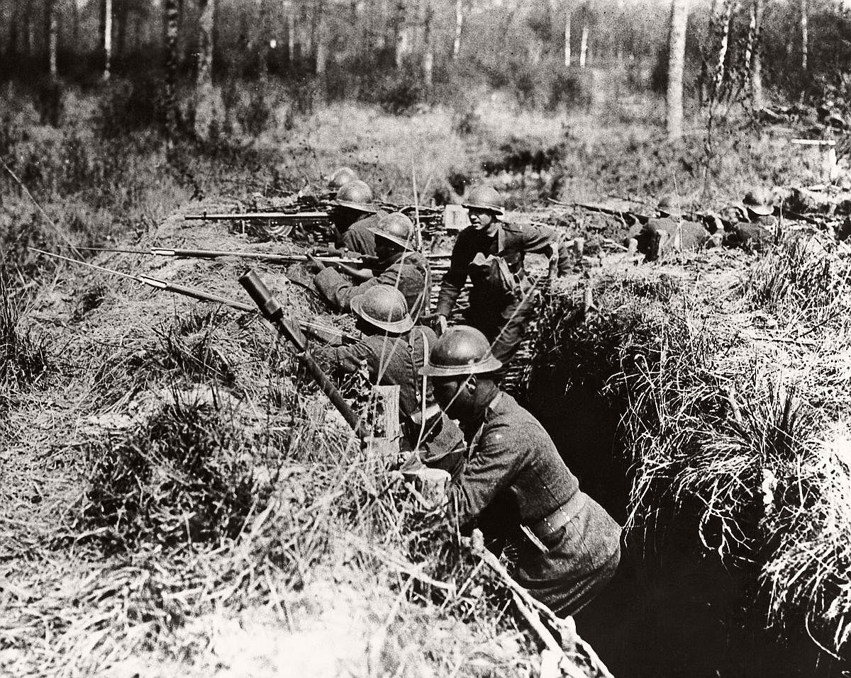 Members of the 369th in combat on the Western Front, 1918. (Corbis)