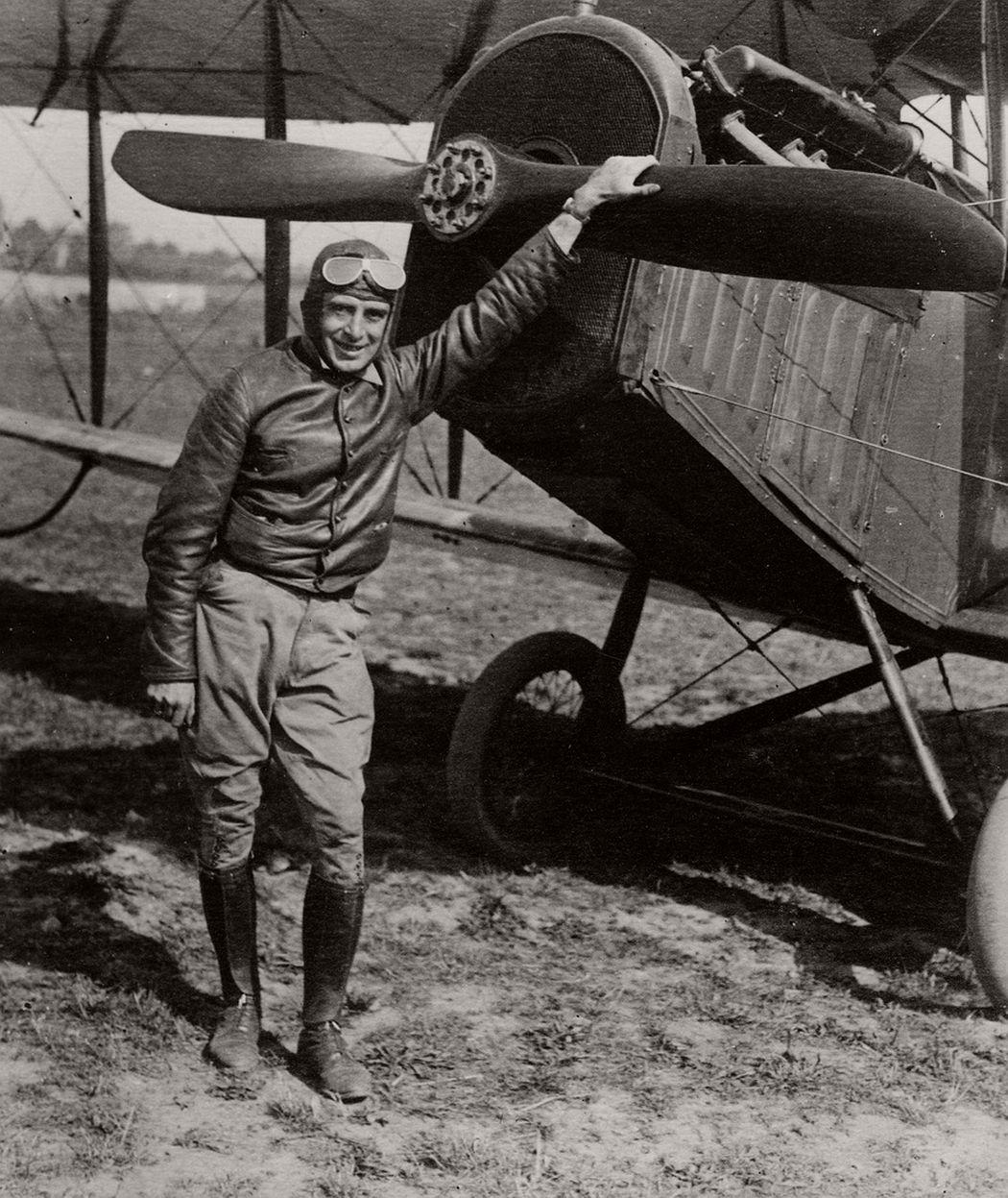 Airmail pilot Eddie Gardner, 1918