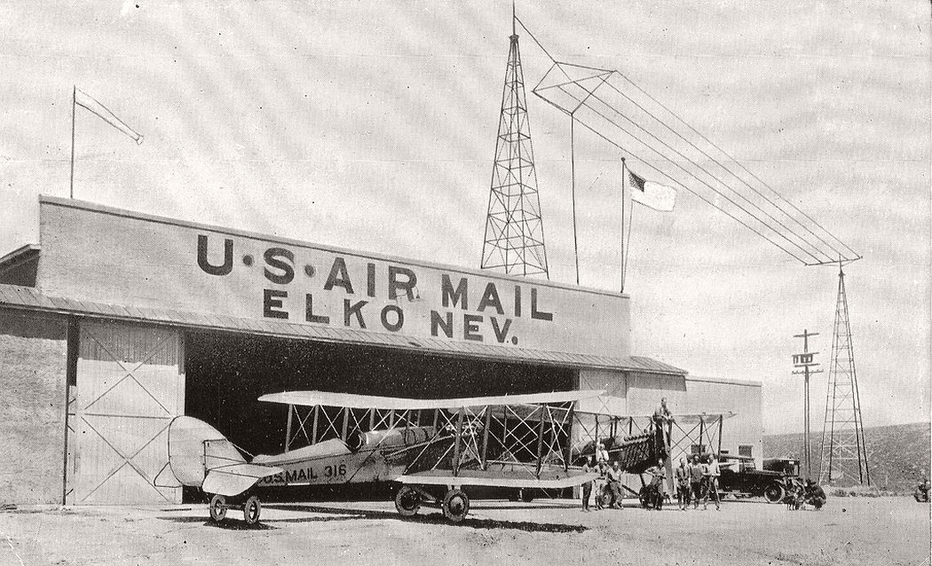 Airmail planes at Elko, Nevada, 1920
