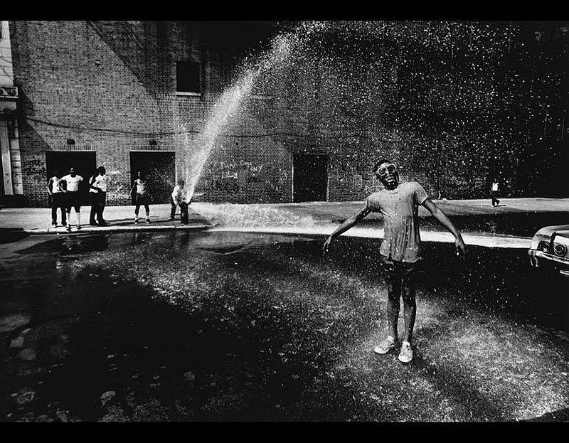Summer, New York, 1961. Louis Draper (American, 1935–2002). Gelatin silver print; 27.9 x 35.6 cm. The Cleveland Museum of Art, Mr. and Mrs. Richard W. Whitehill Art Purchase Endowment Fund, 2016.272. © Louis H. Draper Preservation Trust.