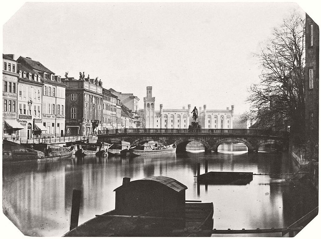 Leopold Ahrendts  Lange Brücke with view towards Mühlendamm, around 1856