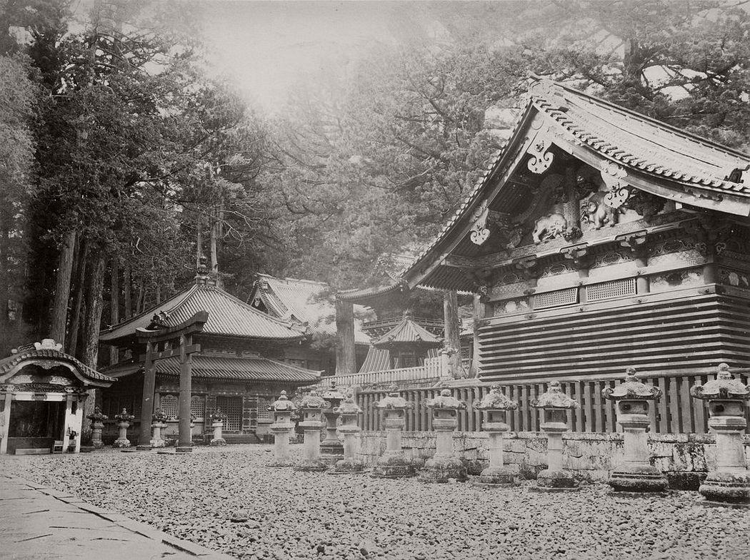 Toshogu shrine in Nikko, ca. 1870