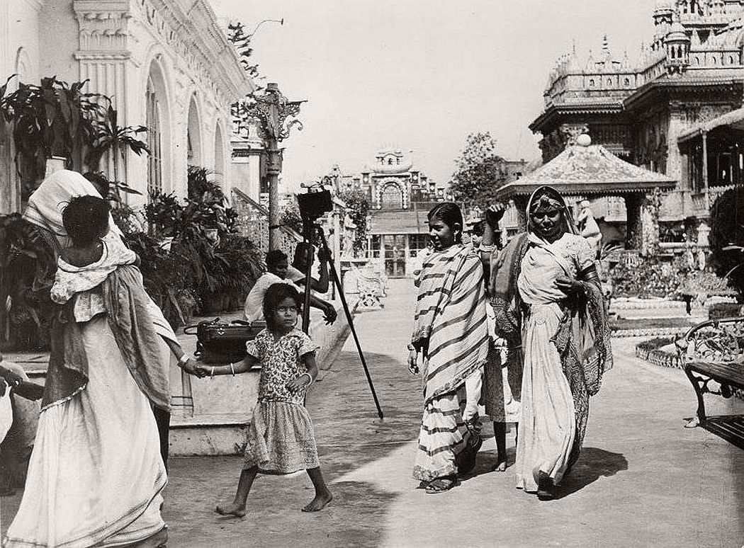 Calcutta by Claude Waddell (1945-1946)