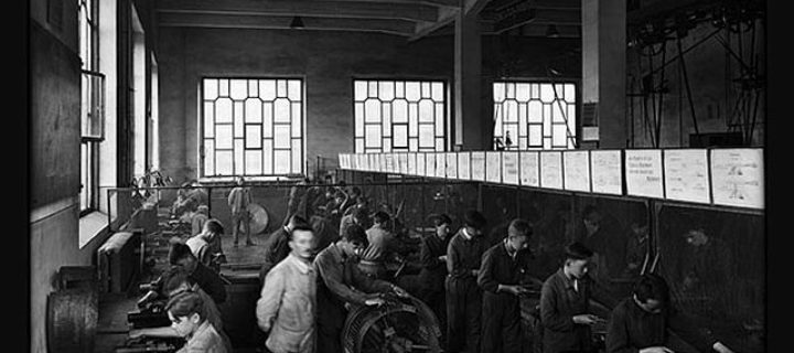 Forging a Modern Society – Photography and Corporate Communication in the Industrial Age (1911-1937)