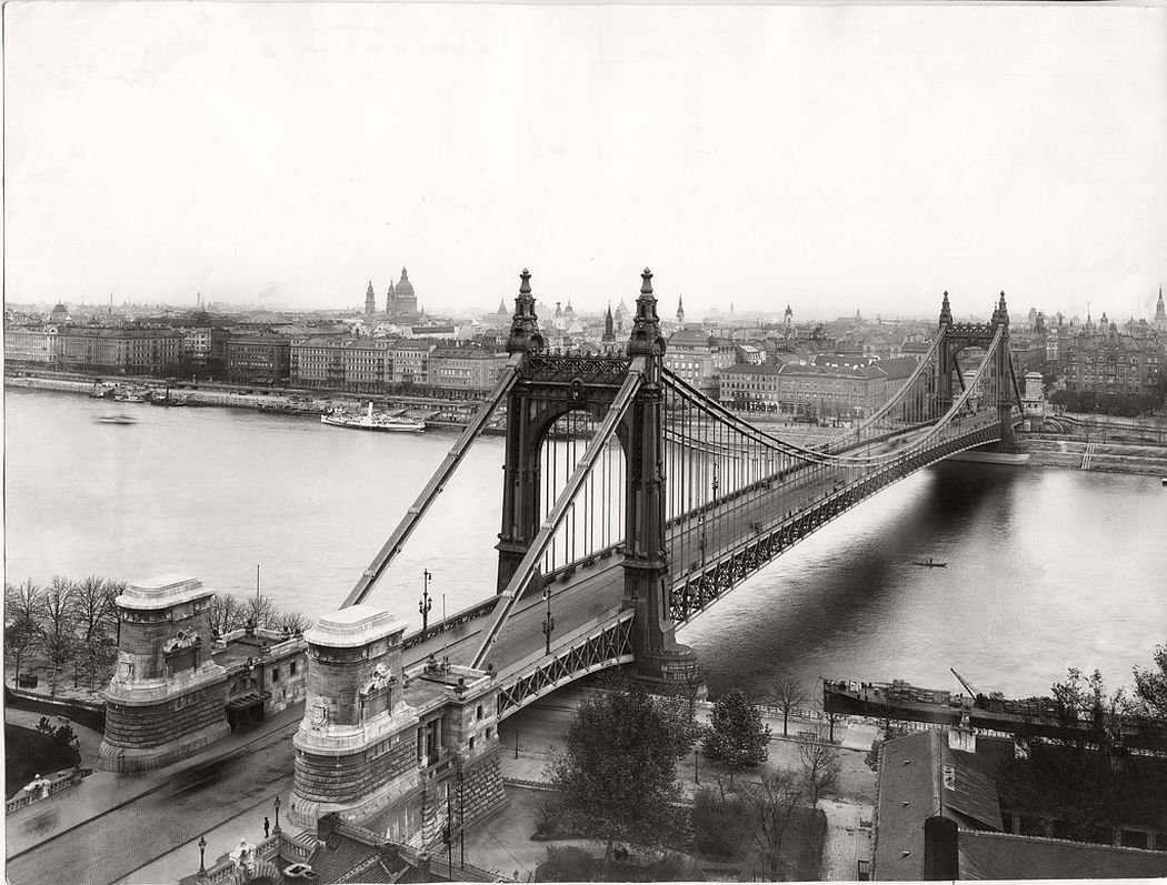 The old Elisabeth Bridge circa 1910-12