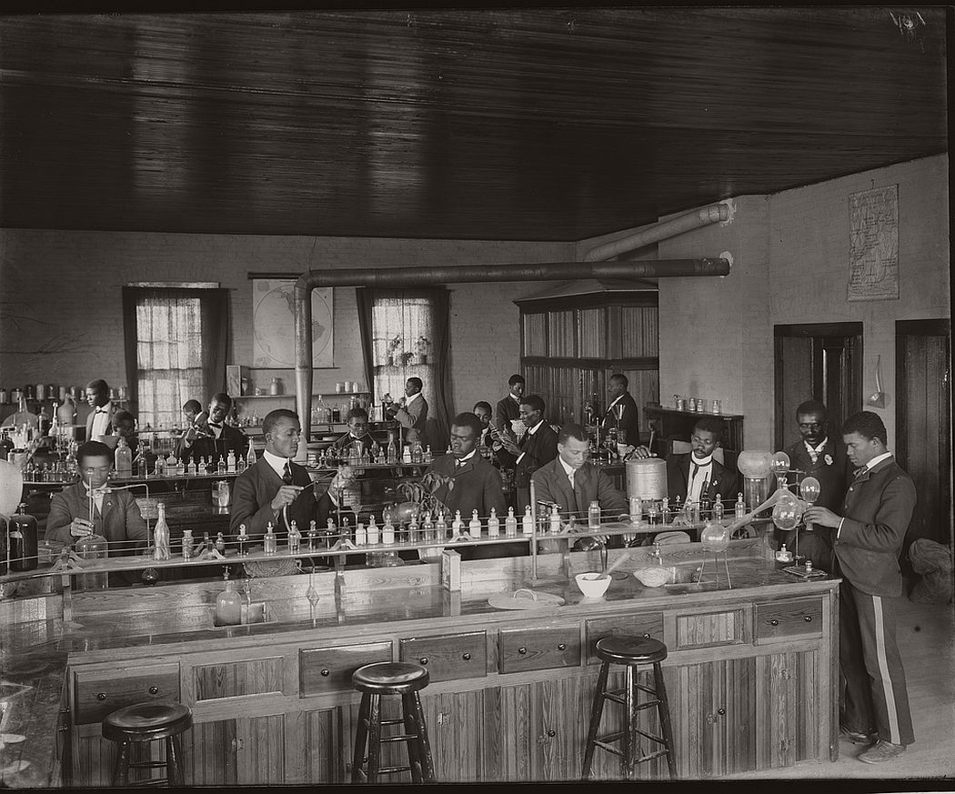 Chemistry laboratory at Tuskegee Institute, ca. 1902.