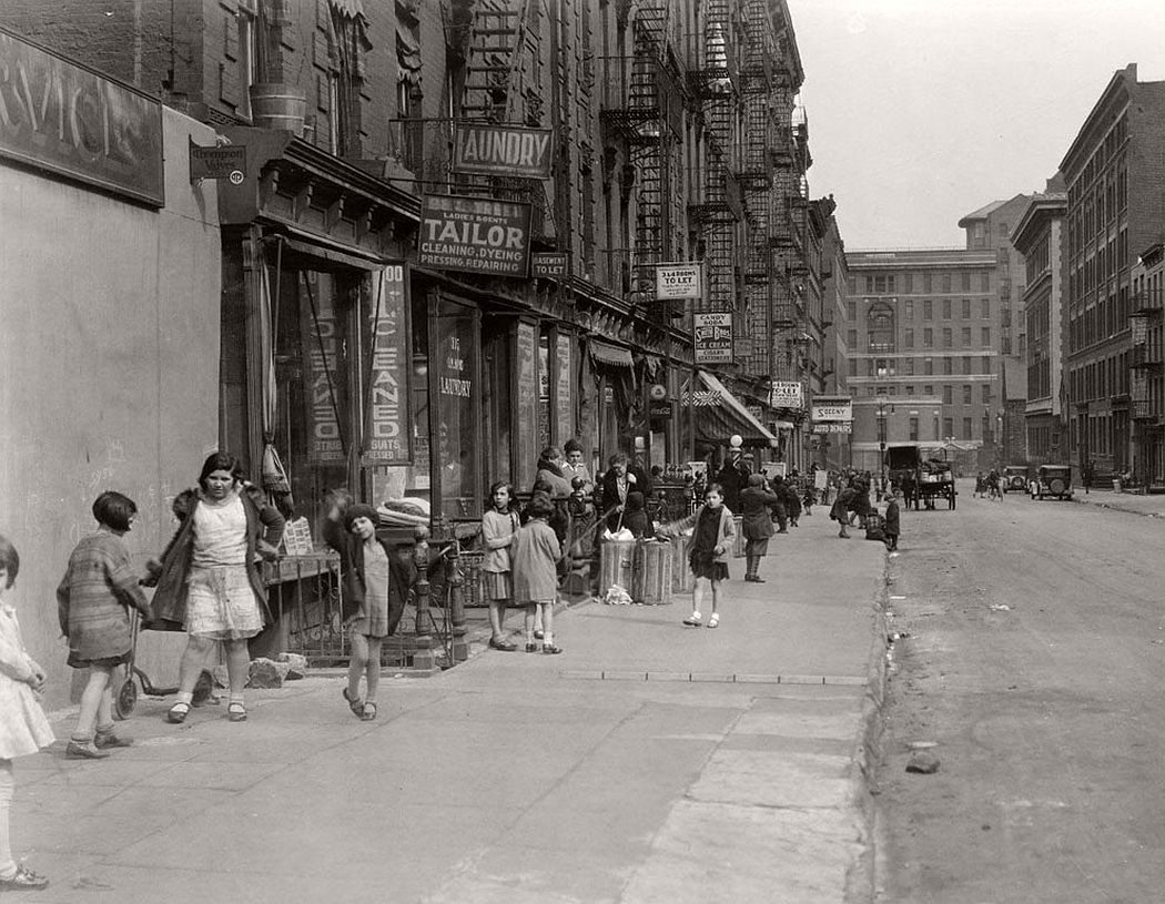 28th Street looking east from Second Avenue, Mnhattan, April 1931