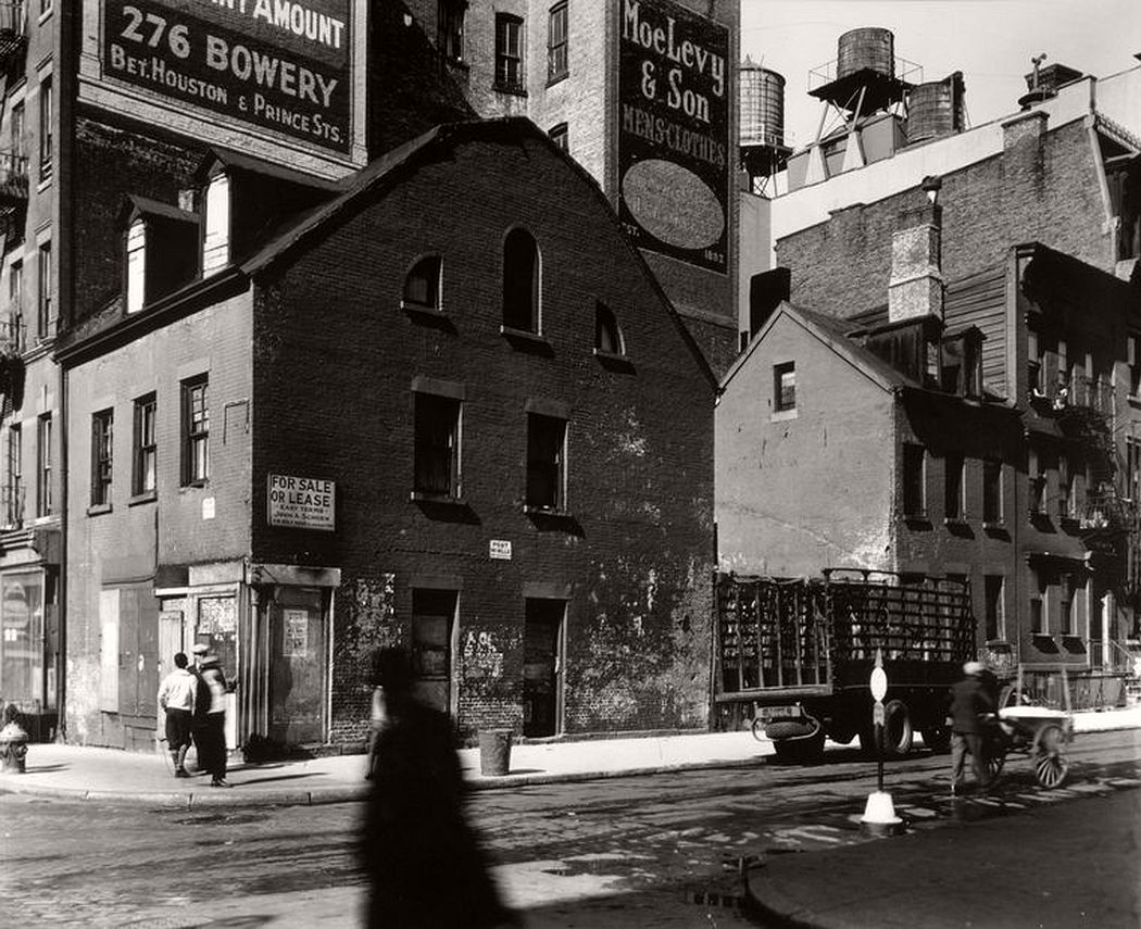 Mulberry and Prince Streets, October 25, 1935
