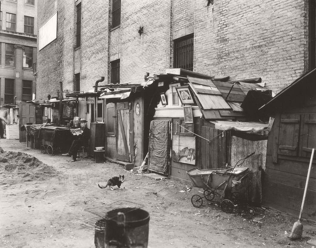 Unemployed and huts, Mercer Street, Manhattan, October 25, 1935