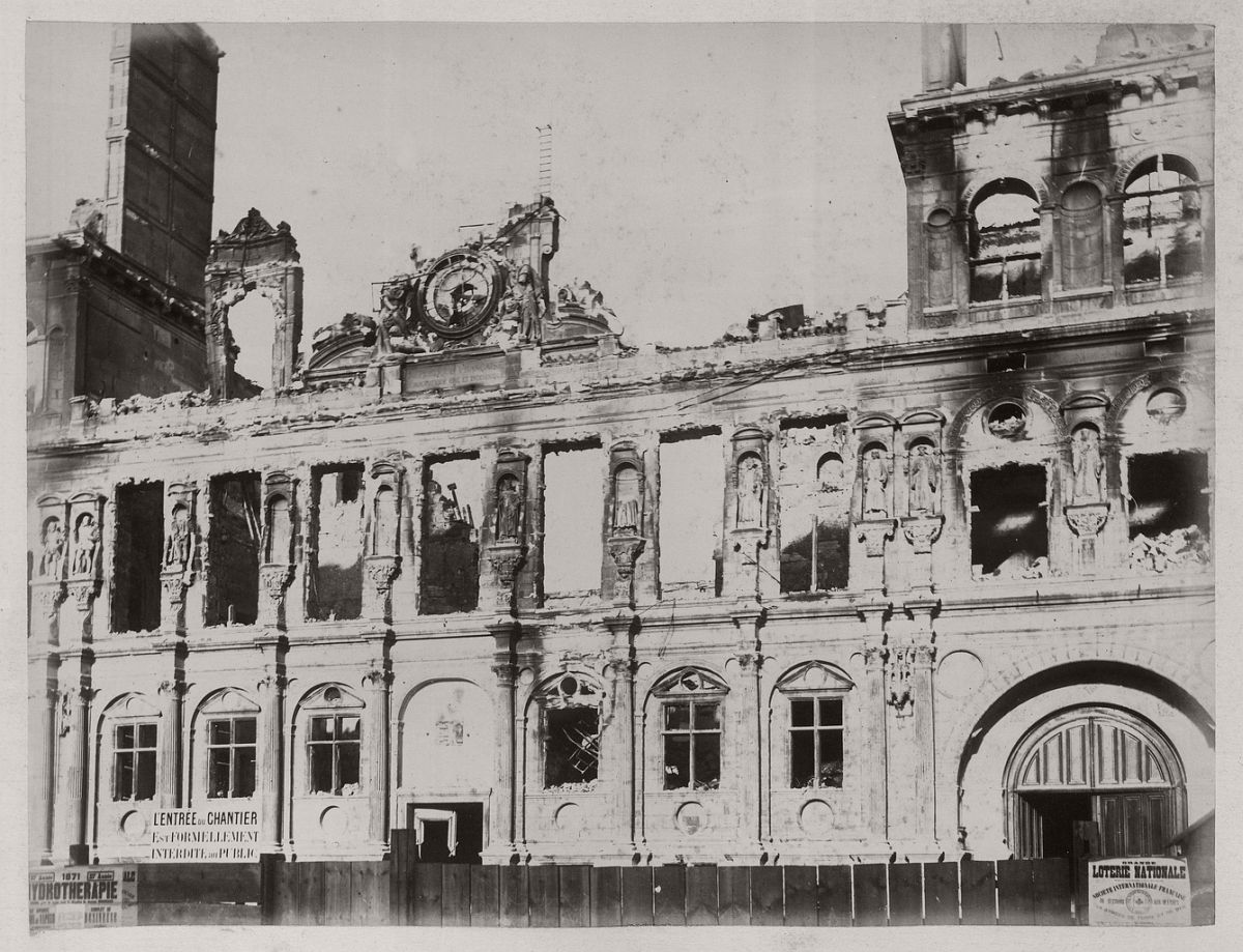 Hôtel de Ville. Pavillon de l'Horloge, 1871.