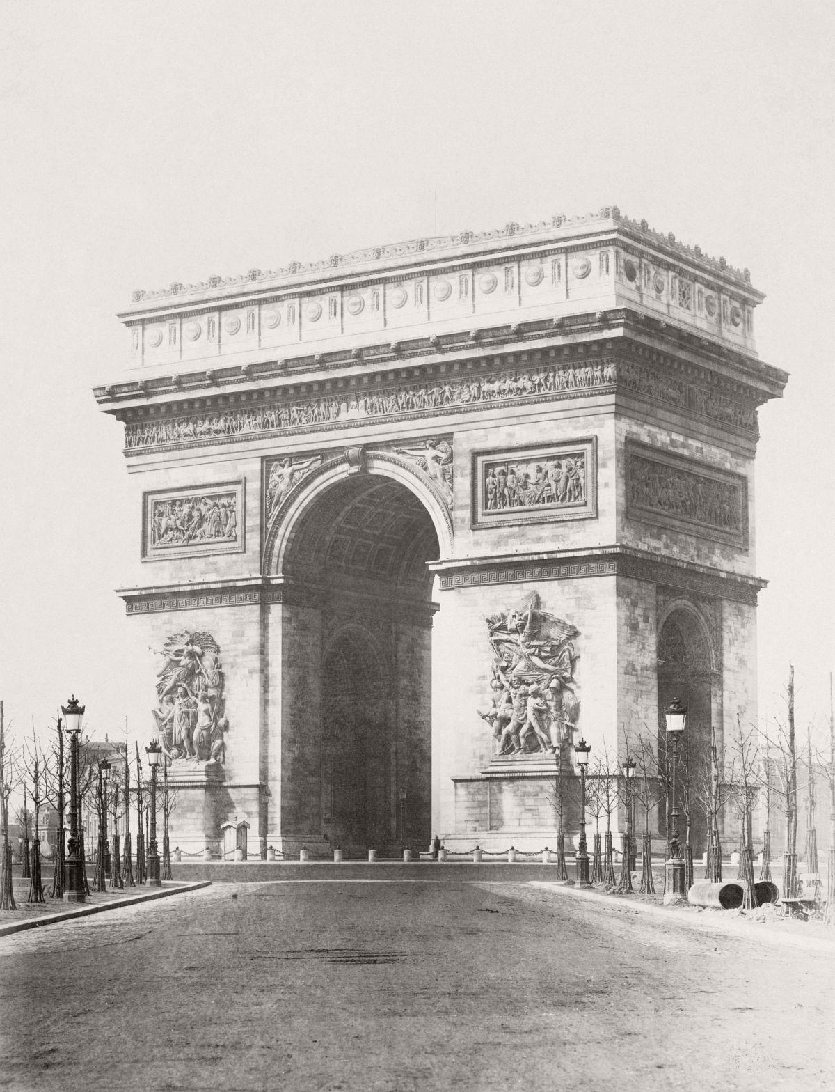Arc de Triomphe de l'Etoile à Paris, 1865.
