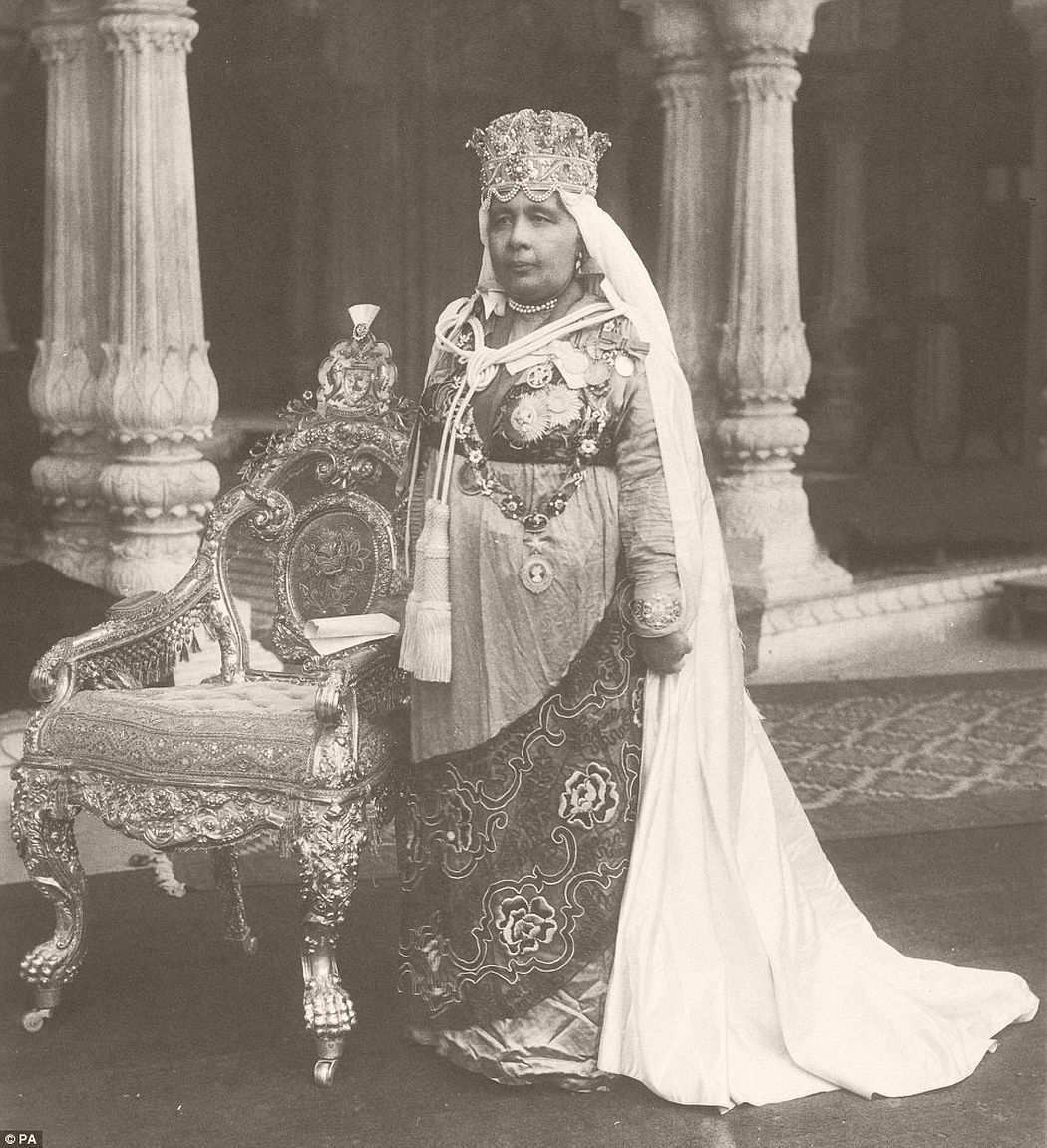 Nawab Sultan Kaikhusrau Jahan, Begum of Bhopal in 1922. She is seen here in full state dress in her palace in Bhopal, India.