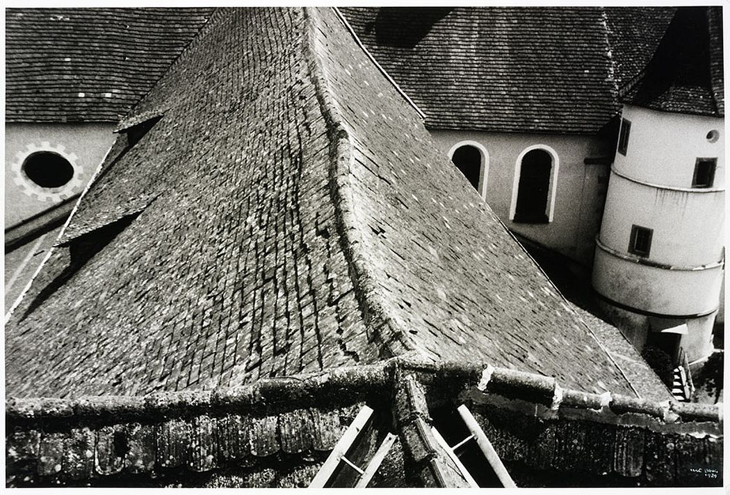 Kloster Reichenau am Bodensee, 1929 © Victoria and Albert Museum, London/Estate of Ilse Bing, courtesy Michael Mattis