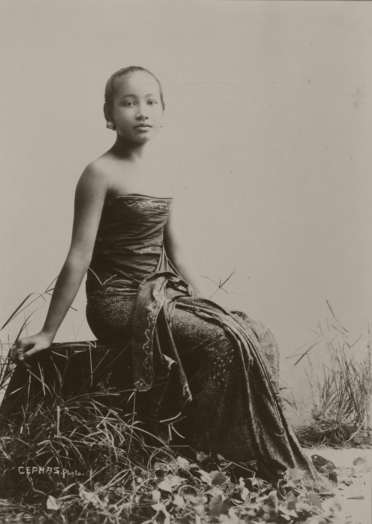 Javanese woman, circa 1900