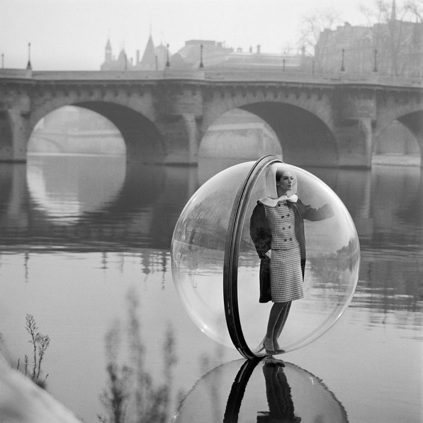 Melvin Sokolsky  Bubble on Seine, 1965
