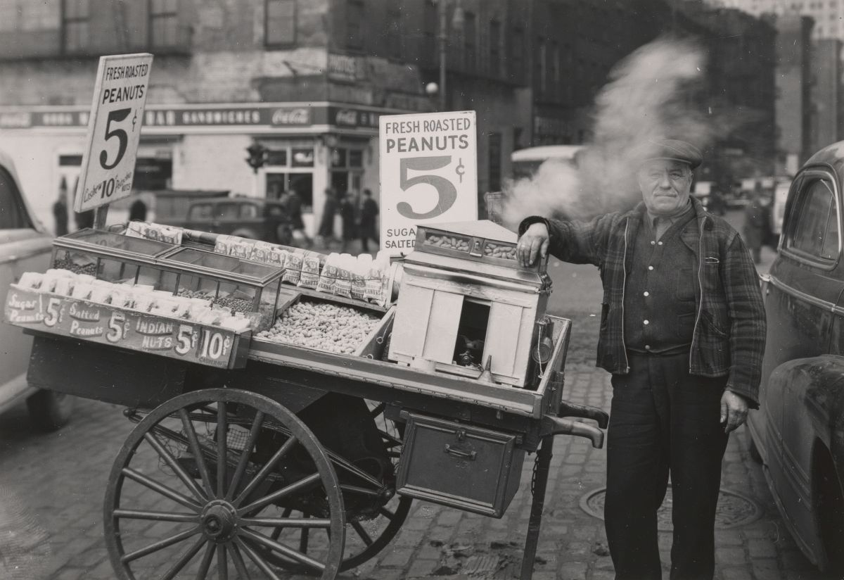 The Battery, New York (Peanut Peddler), 1945. Image: Courtesy Museum of the City of New York and the Todd Webb Estate.