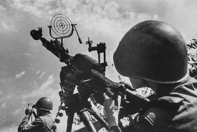 """Anti-Aircraft Gunner, 1944-1945,"" silver gelatin print by Dmitri Baltermants. Bowdoin College Museum of Art."