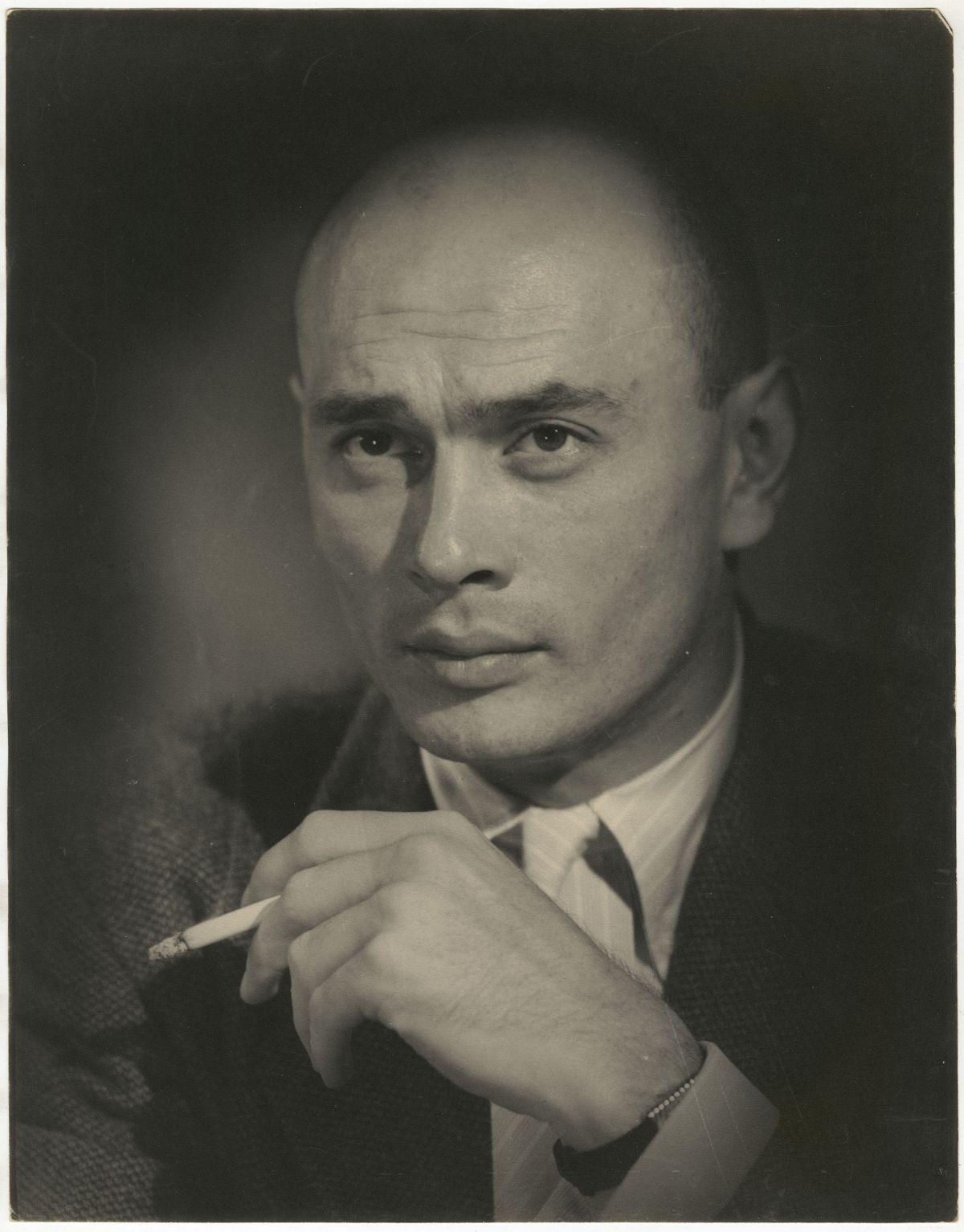 Photo: Editta Sherman (1912–2013); Yul Brynner; ca.1955. Gelatin silver print. New-York Historical Society; Gift of Kenneth Sherman.