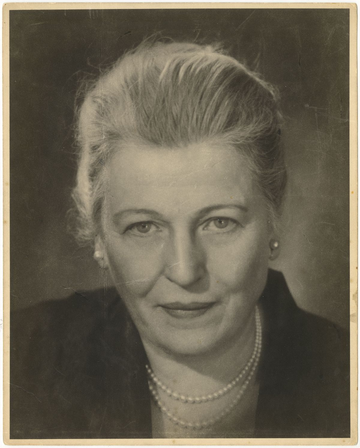 Photo: Editta Sherman (1912–2013); Pearl Buck; 1955. Gelatin silver print. New-York Historical Society; Gift of Kenneth Sherman.
