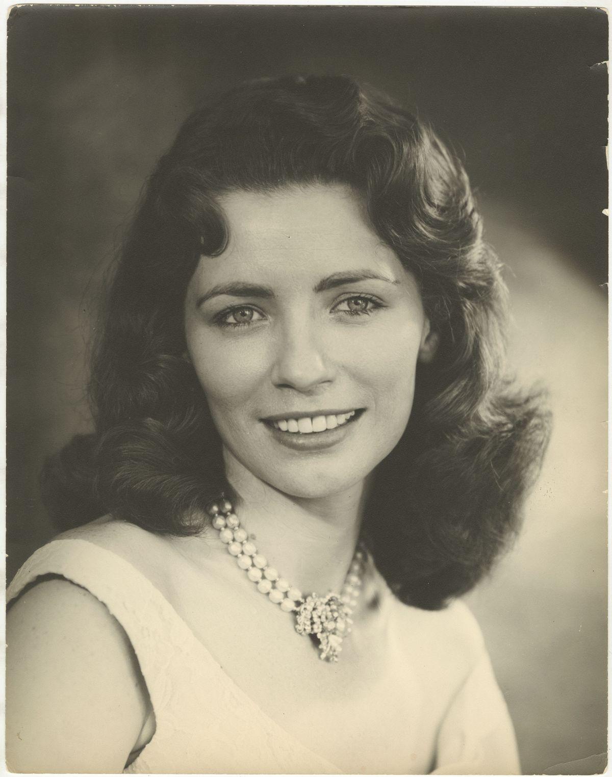 Photo: Editta Sherman (1912–2013); June Carter Cash; ca. 1955. Gelatin silver print. New-York Historical Society; Gift of the children of Lloyd R. Sherman