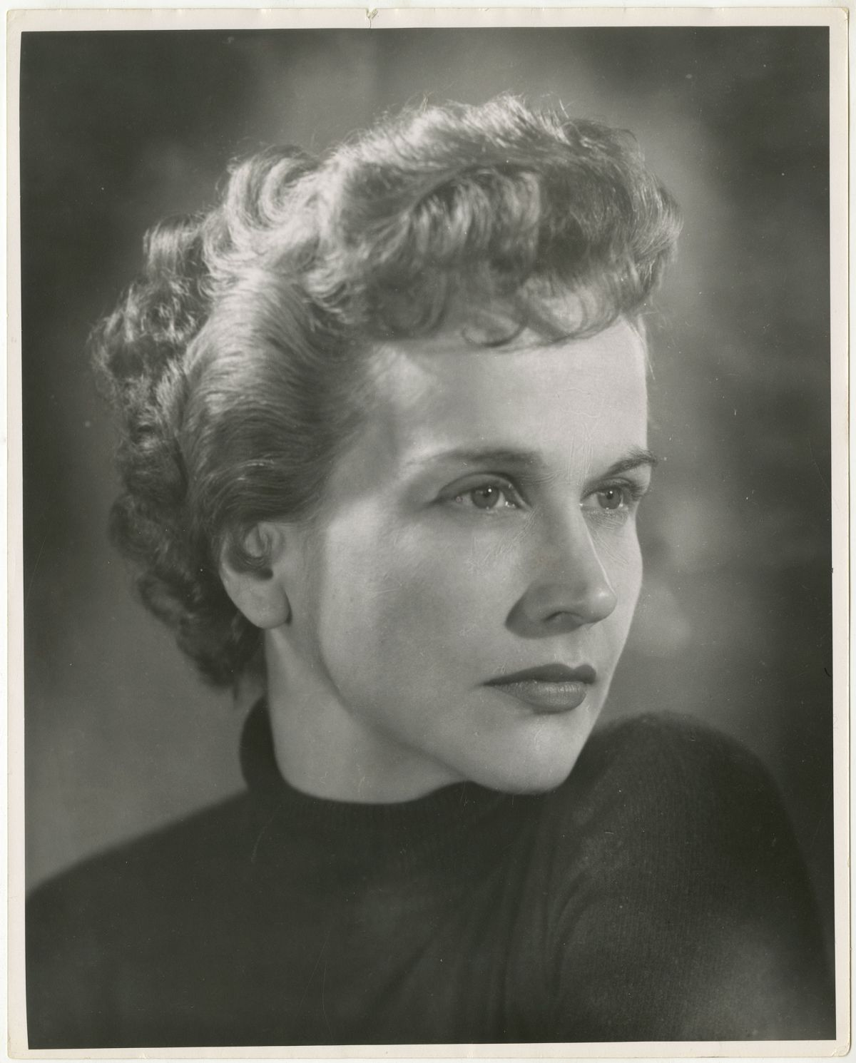 Photo:     Editta Sherman (1912–2013); Kim Hunter; ca.1951. Gelatin silver print. New-York Historical Society; Gift of Melisande Sherman.