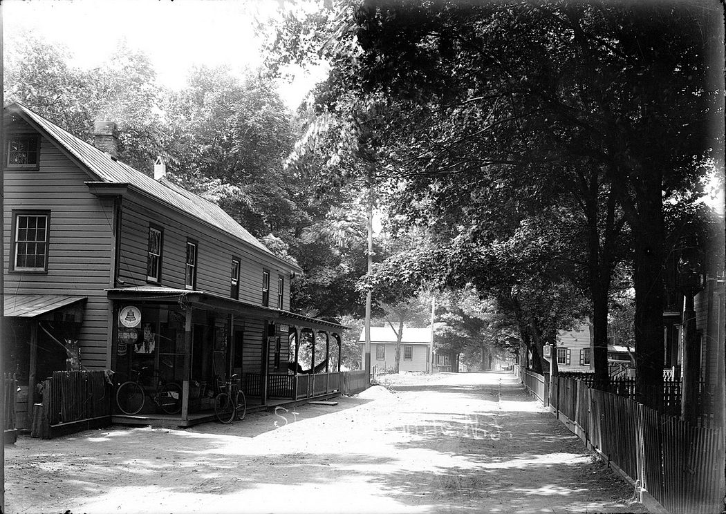 Post office and store in Titusville in 1912