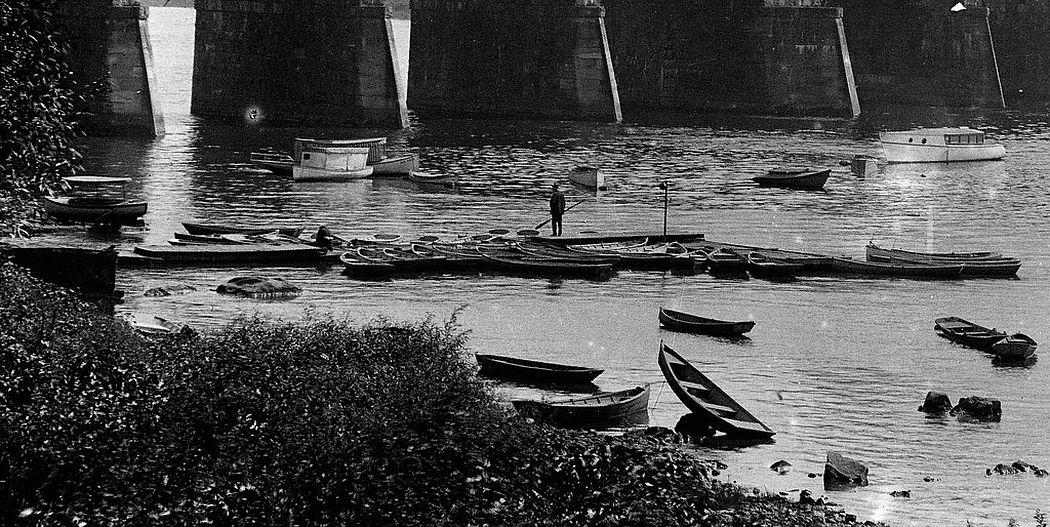 Boats on the Delaware River, Trenton, NJ, 1912