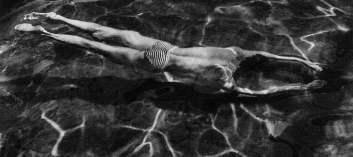 André Kertész: Mirroring Life