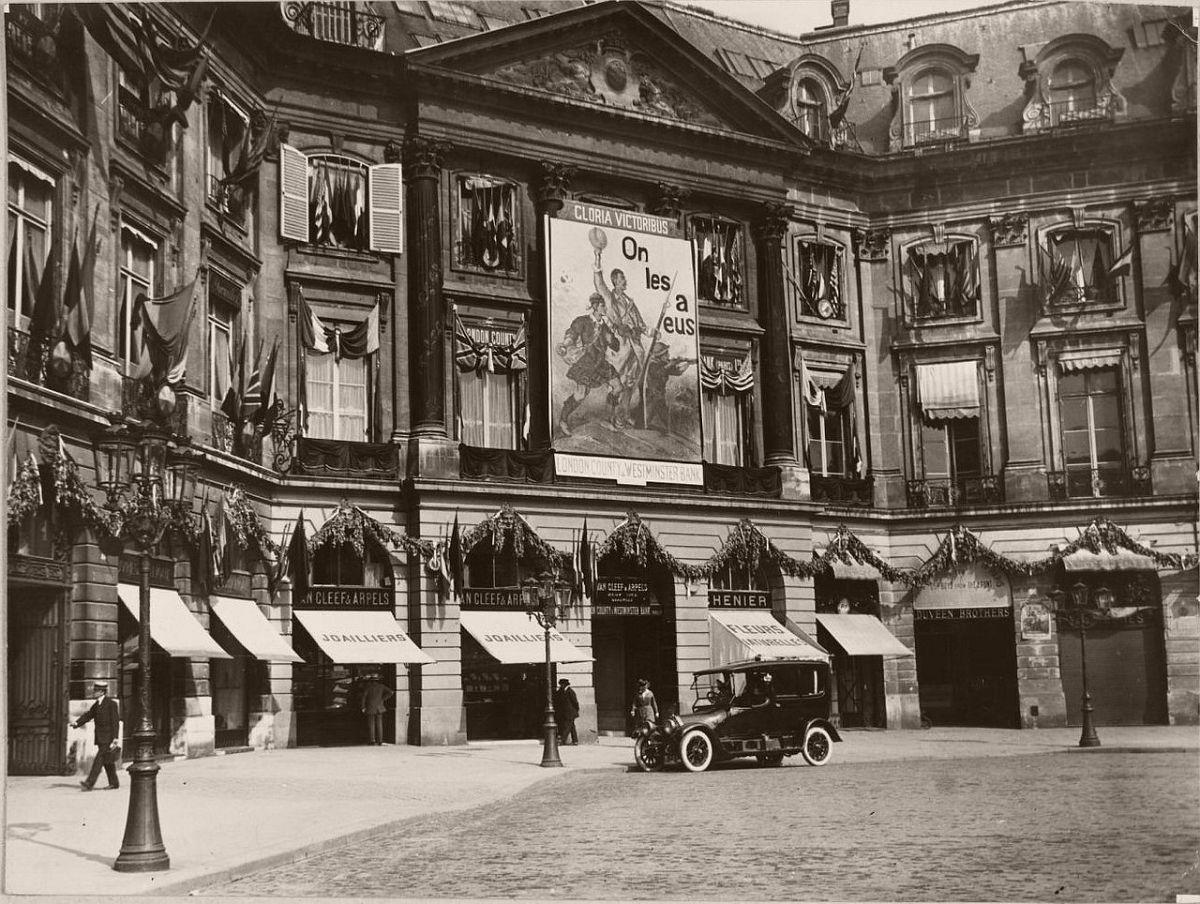 1918. Store Van Cleef & Arpels, 22. Place Vendôme.
