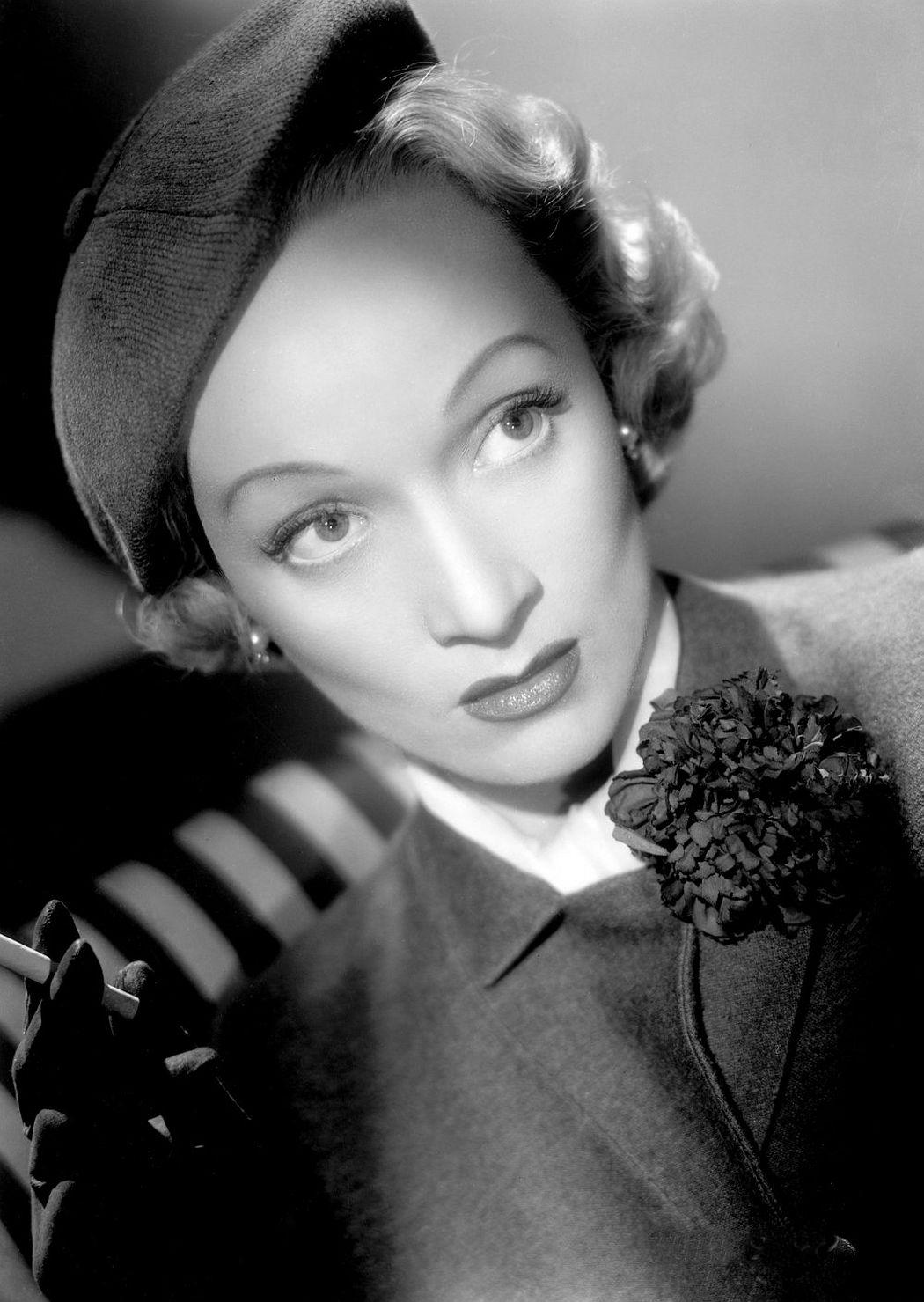 Marlene Dietrich in No Highway (1951)