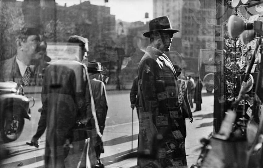 Five and Dime, 1950. Picture: © Saul Leiter, courtesy Howard Greenberg Gallery, New York / Steidl