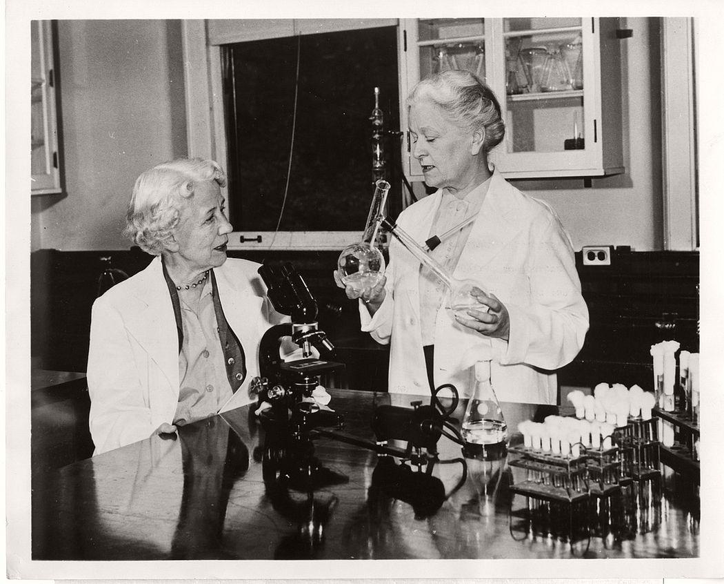 Microbiologist Elizabeth Lee Hazen (1888-1975) and chemist Rachel Brown (1898-1980) in their collaboration experiment